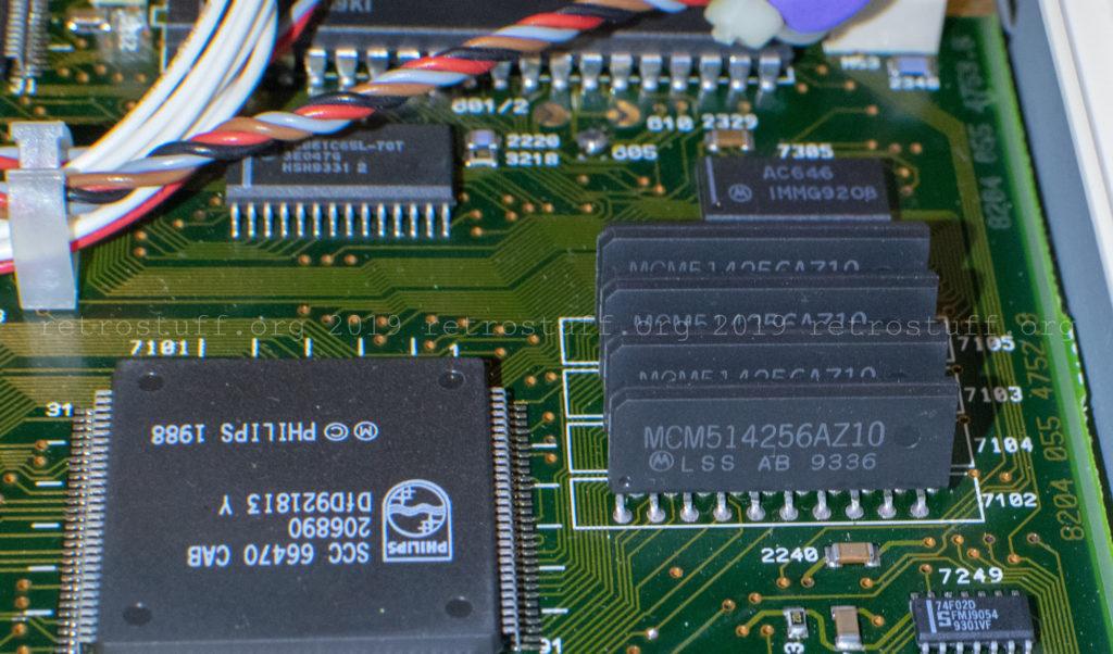 Motorola MCM514256AZ10 FP DRAM 256Kx4