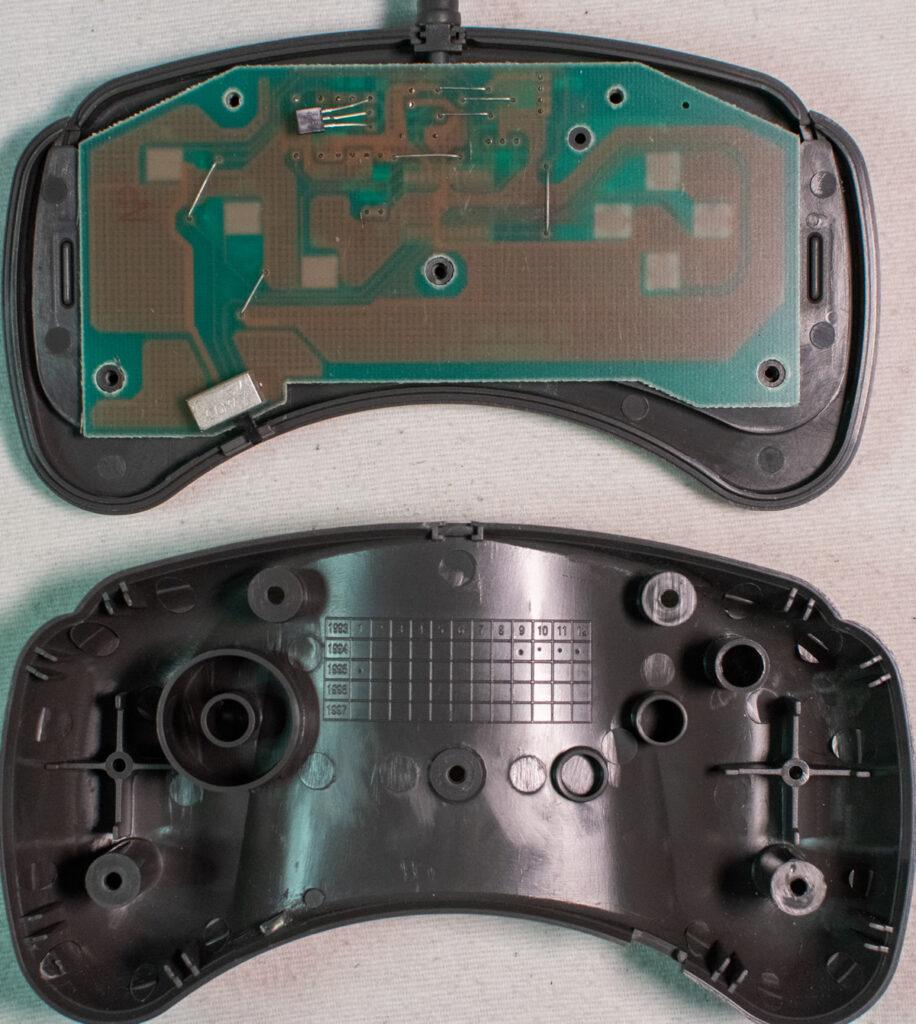 Philips 22ER9021 CD-i Gamepad - inside