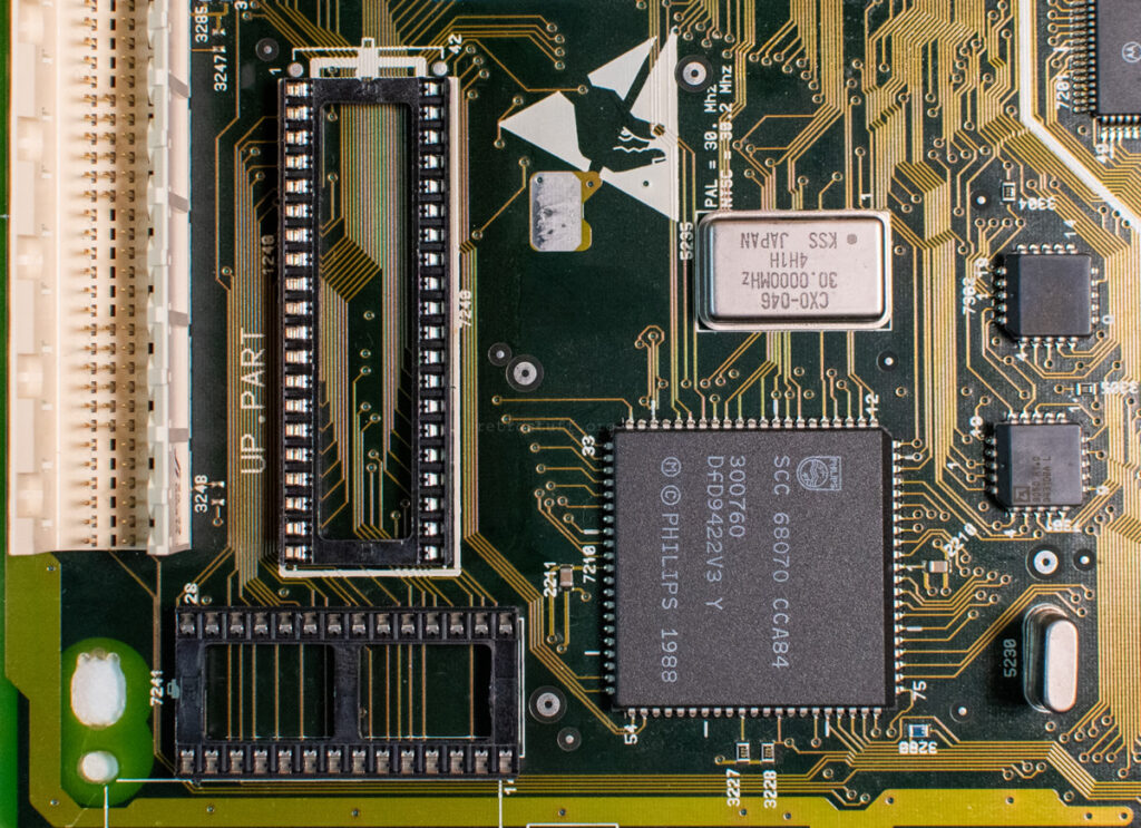 CDI450: Sockets for ROM and NVRAM